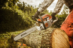 Advantages Of Petrol Chainsaws Over Electric Chainsaws