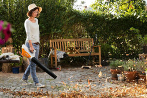 2 Garden Maintenance Tips For Homeowners