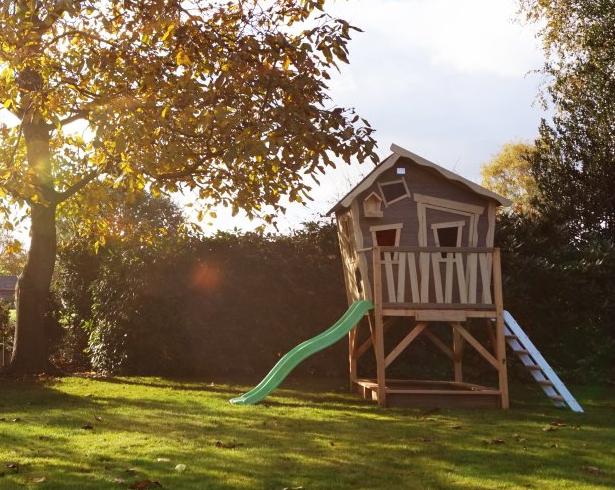 playhouses for outdoors