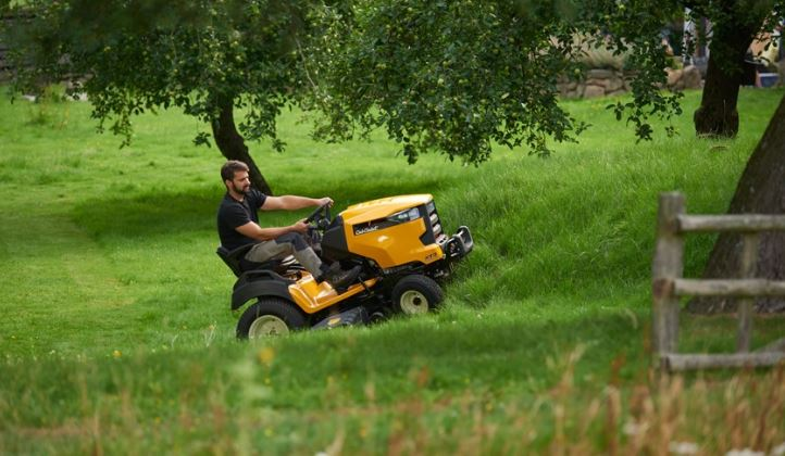 side discharge tractor mowers